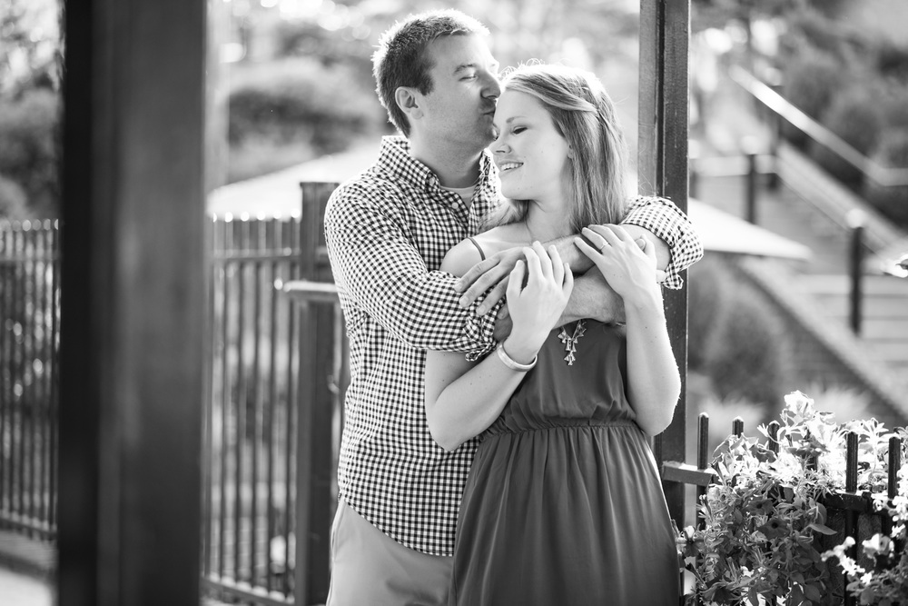 Downtown_Lynchburg_VA_craddock_Terry_Water_Fountain_Engagement_Session_Photos267.jpg