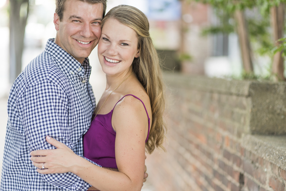 Downtown_Lynchburg_VA_craddock_Terry_Water_Fountain_Engagement_Session_Photos273.jpg