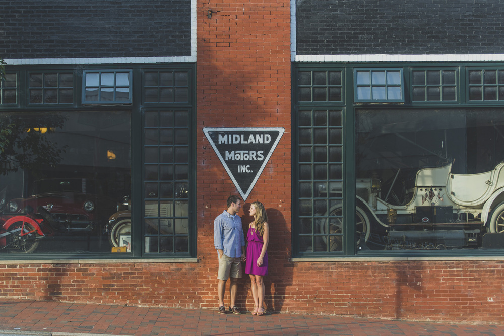 Downtown_Lynchburg_VA_craddock_Terry_Water_Fountain_Engagement_Session_Photos280.jpg