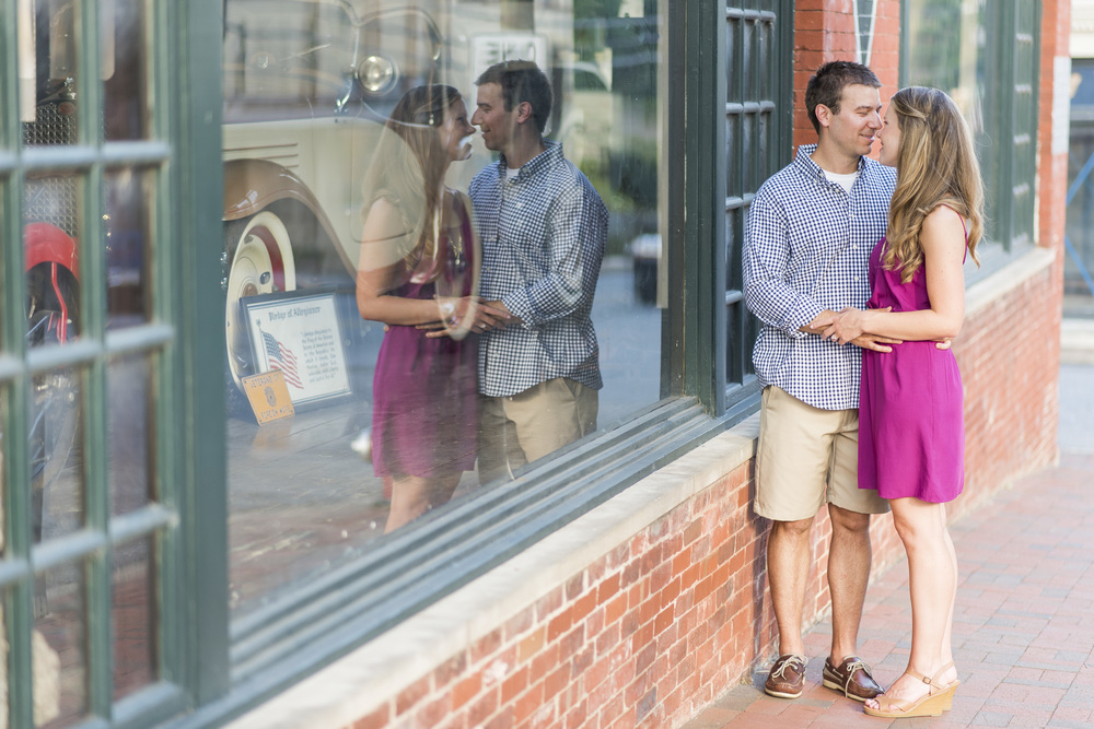 Downtown_Lynchburg_VA_craddock_Terry_Water_Fountain_Engagement_Session_Photos281.jpg