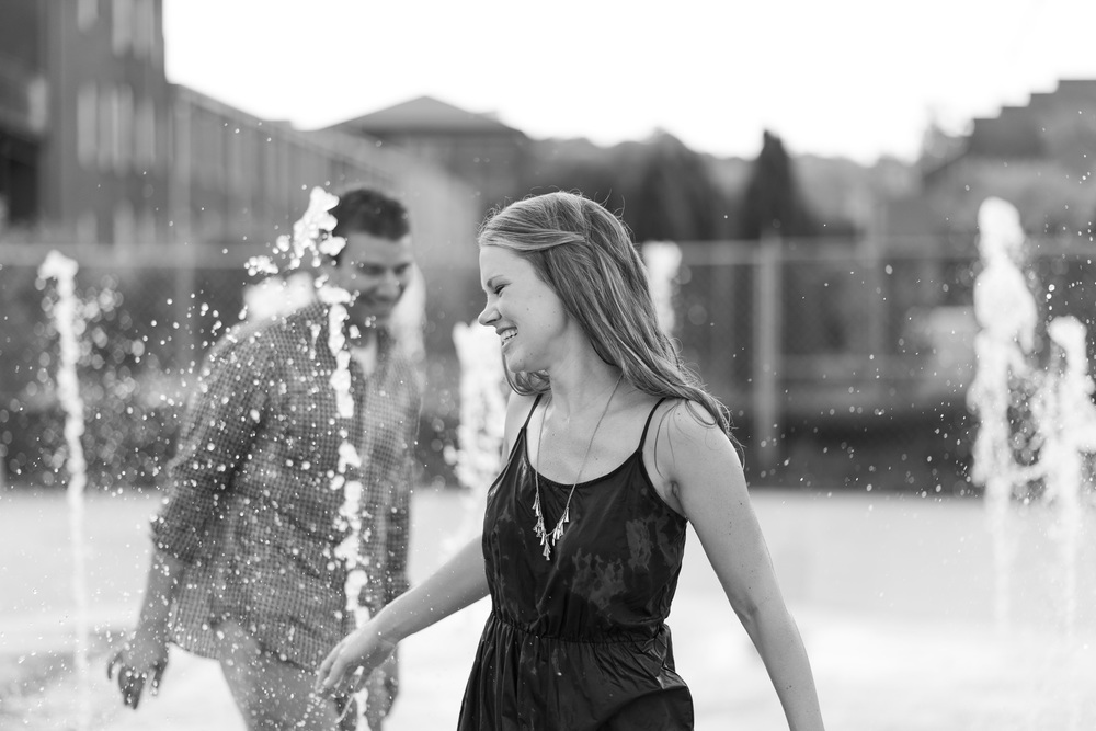 Downtown_Lynchburg_VA_craddock_Terry_Water_Fountain_Engagement_Session_Photos296.jpg