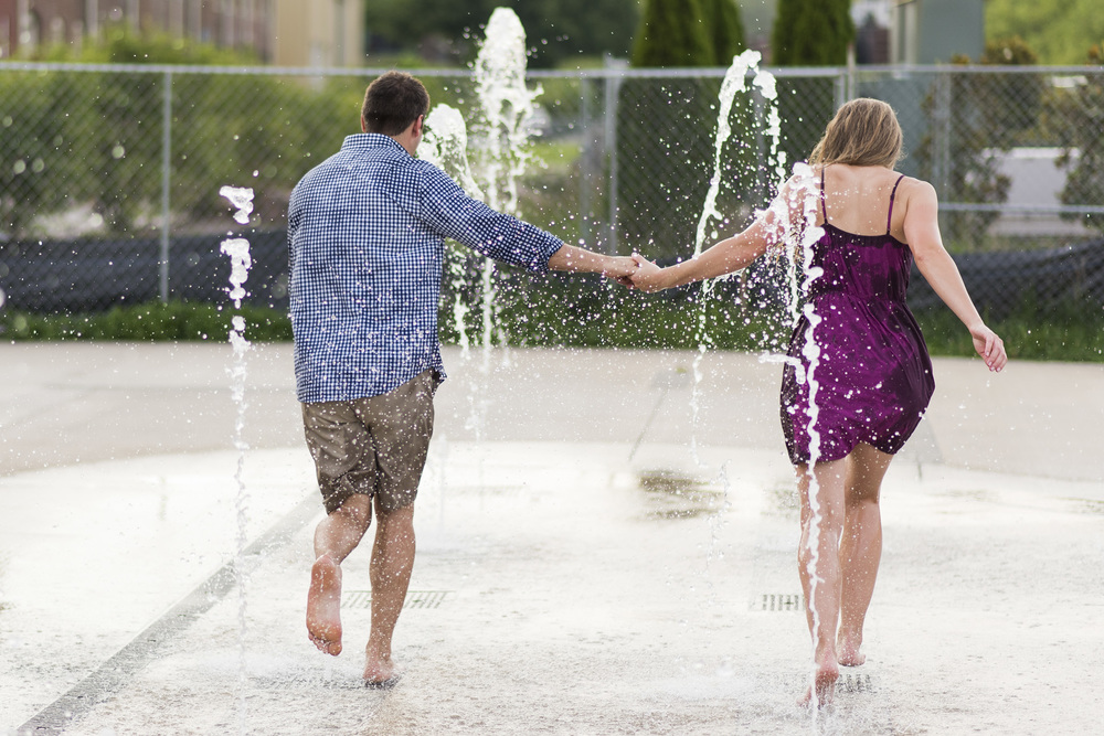 Downtown_Lynchburg_VA_craddock_Terry_Water_Fountain_Engagement_Session_Photos298.jpg