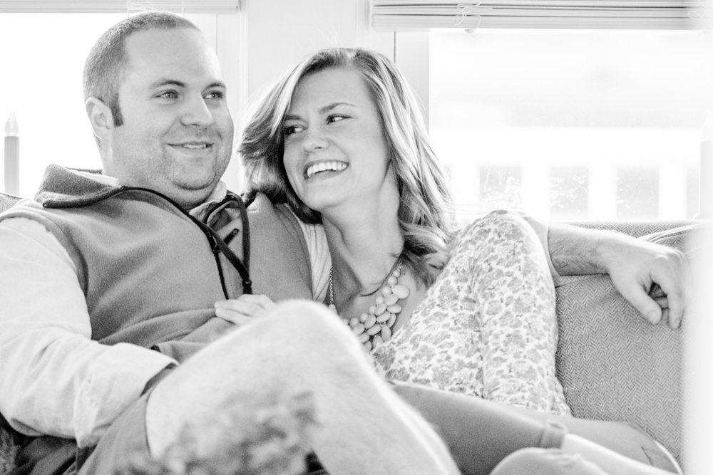 bedford_home_engagement_session_lifestyle_small_town_lynchburg_va000.jpg