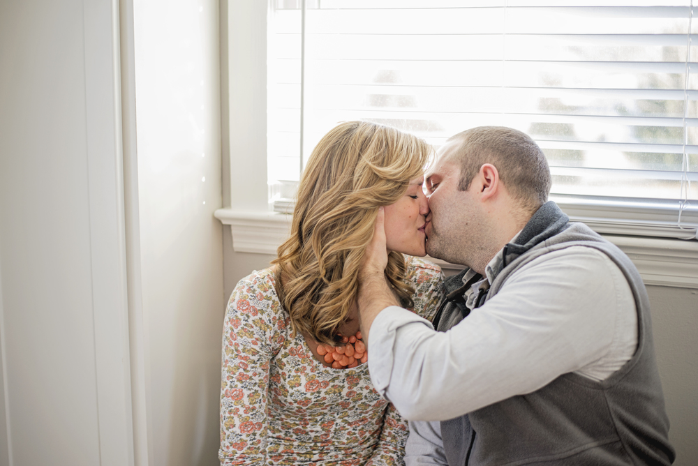 bedford_home_engagement_session_lifestyle_small_town_lynchburg_va014.jpg