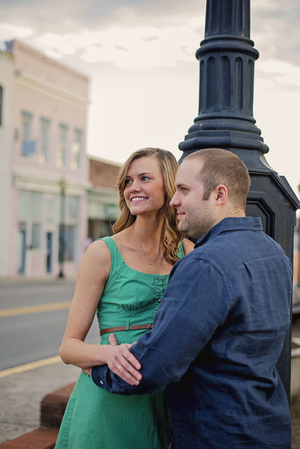 bedford_home_engagement_session_lifestyle_small_town_lynchburg_va021.jpg