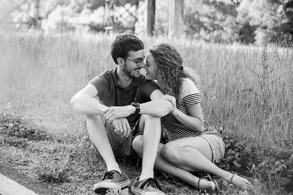 altavista_ginger_redhead_field_lake_engagement_session_small_town_lynchburg_va034.jpg