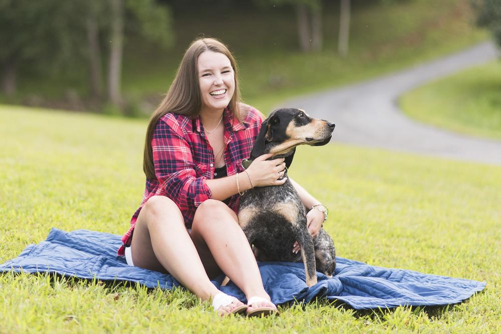 SeniorSession_BigIsland_VA_Lynchburg_farm_huntingdog20150805_0291.jpg
