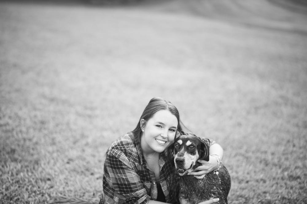 SeniorSession_BigIsland_VA_Lynchburg_farm_huntingdog20150805_0295.jpg