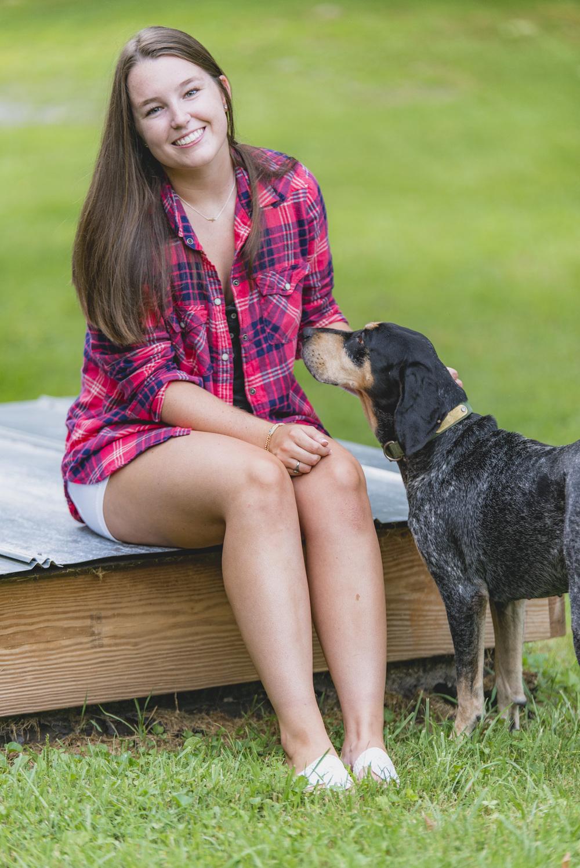 SeniorSession_BigIsland_VA_Lynchburg_farm_huntingdog20150805_0307.jpg