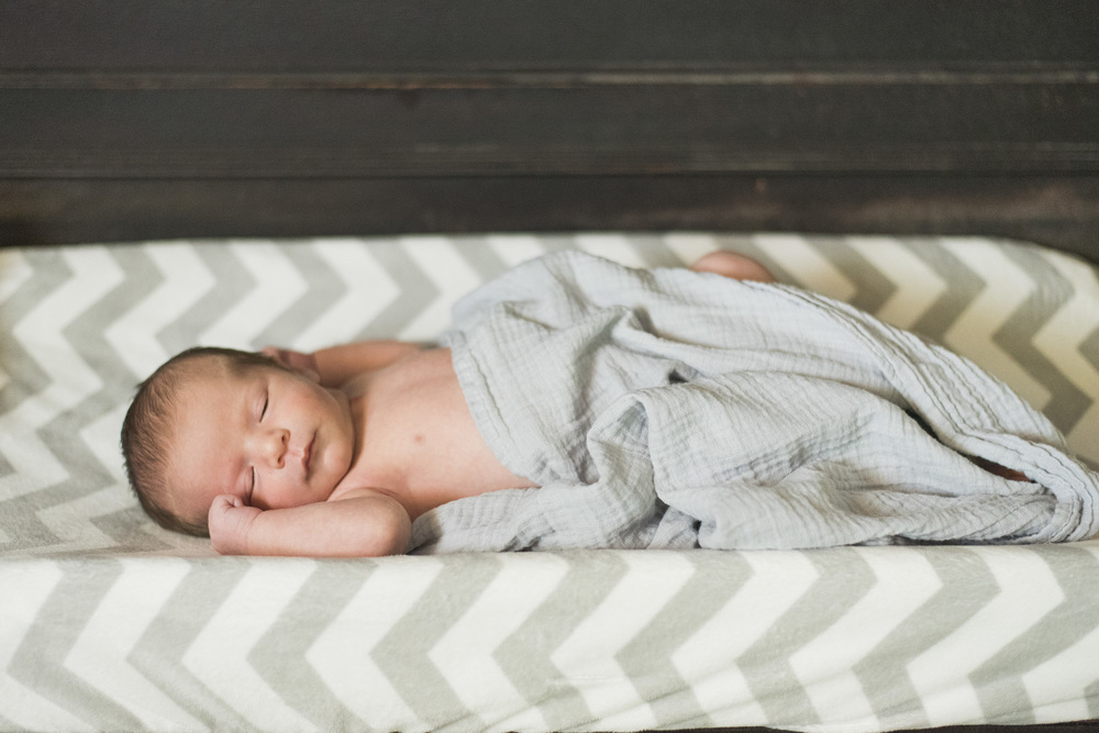 Newborn_lifestyle_family_session_lynchburg_va_photos333.jpg