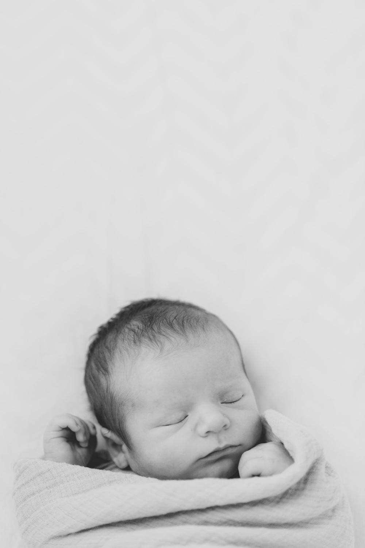 Newborn_lifestyle_family_session_lynchburg_va_photos356.jpg