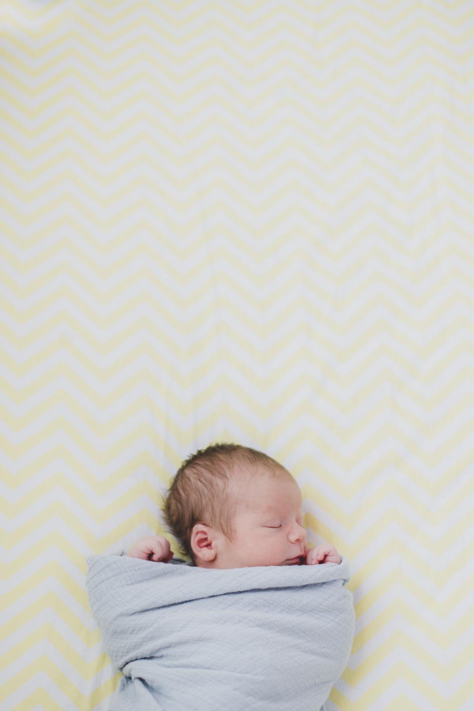 Newborn_lifestyle_family_session_lynchburg_va_photos358.jpg