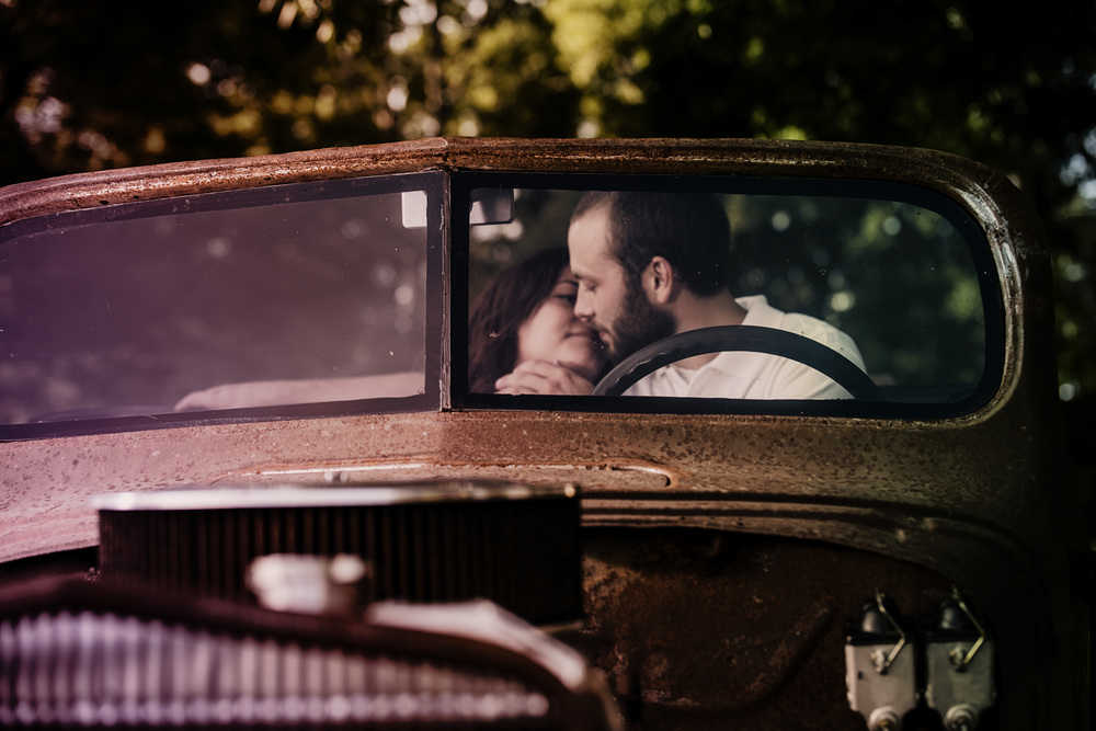 rustic_vintage_barn_engagement_session_north_carolina_lynchburg_va006.jpg