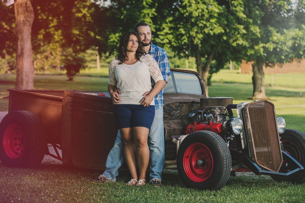 rustic_vintage_barn_engagement_session_north_carolina_lynchburg_va008.jpg