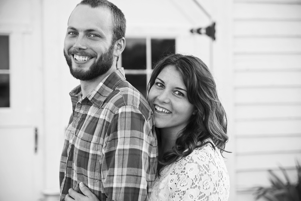 rustic_vintage_barn_engagement_session_north_carolina_lynchburg_va017.jpg
