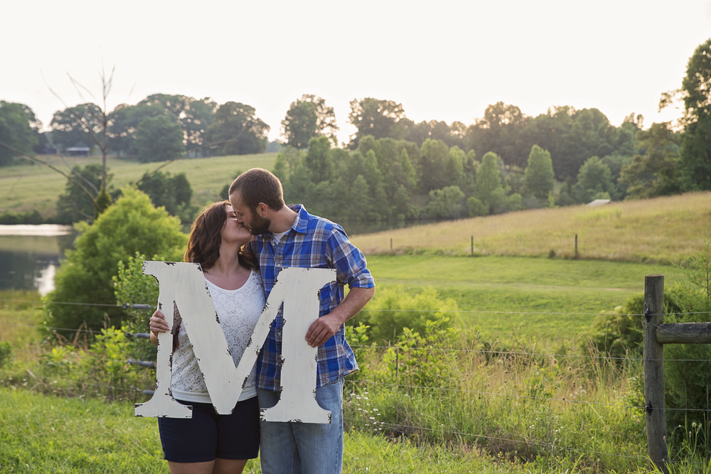rustic_vintage_barn_engagement_session_north_carolina_lynchburg_va020.jpg