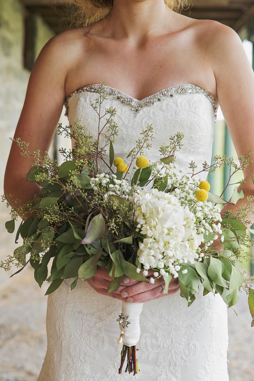 rustic_chic_farm_field__barn_wedding_lynchburg_va006.jpg