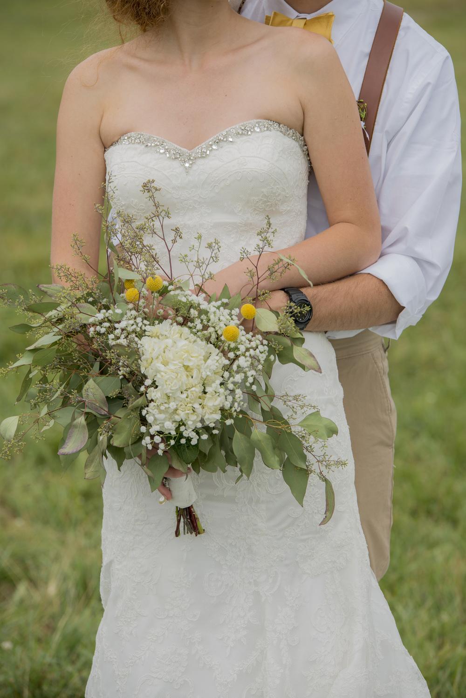 rustic_chic_farm_field__barn_wedding_lynchburg_va009.jpg