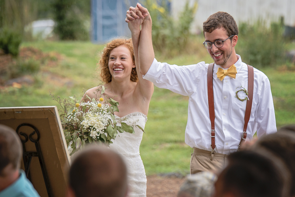rustic_chic_farm_field__barn_wedding_lynchburg_va012.jpg