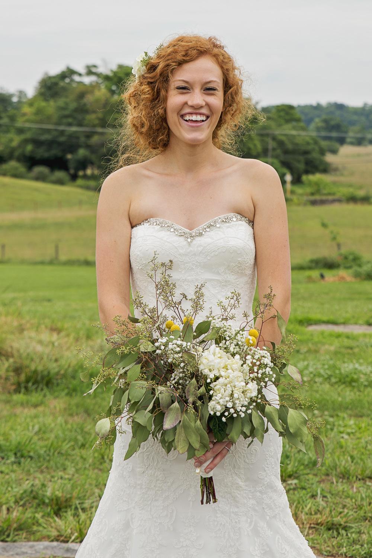 rustic_chic_farm_field__barn_wedding_lynchburg_va023.jpg