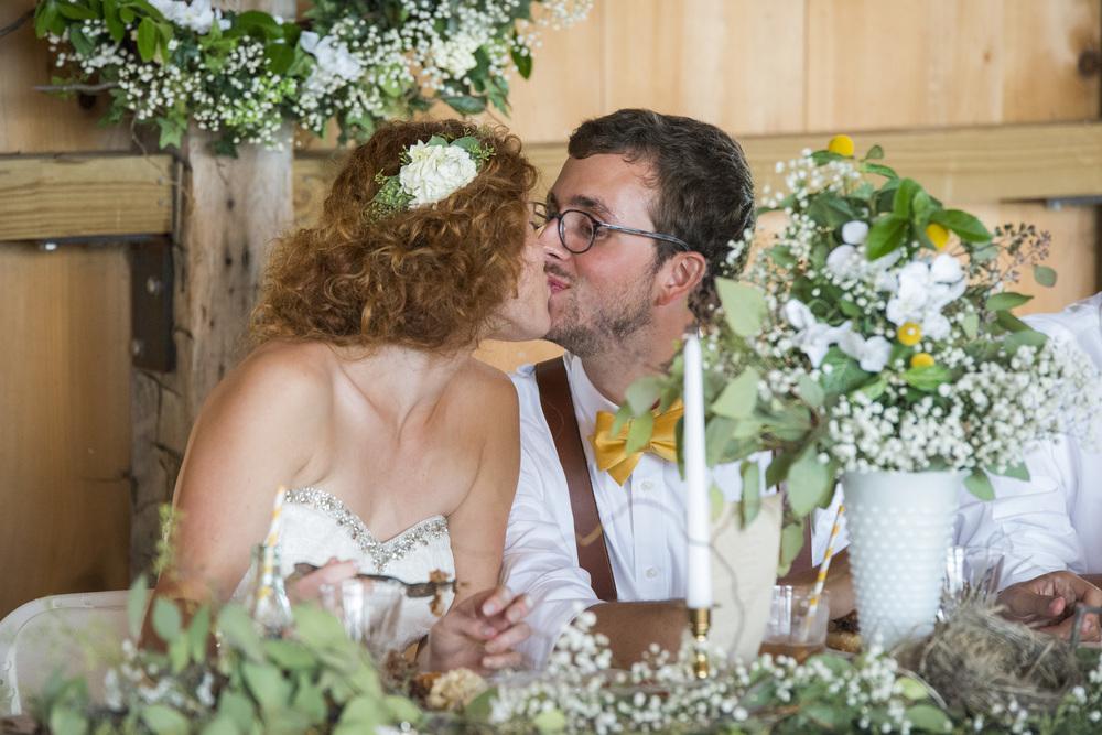 rustic_chic_farm_field__barn_wedding_lynchburg_va040.jpg