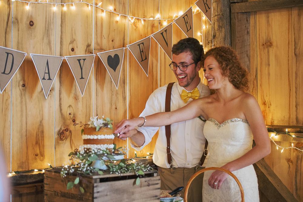 rustic_chic_farm_field__barn_wedding_lynchburg_va042.jpg