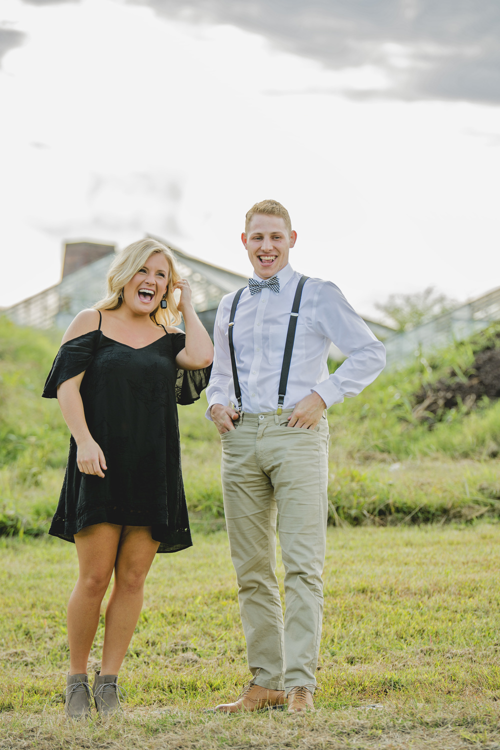 balloons_greenhouse_farm_engagement_session_lynchburg_va001.jpg