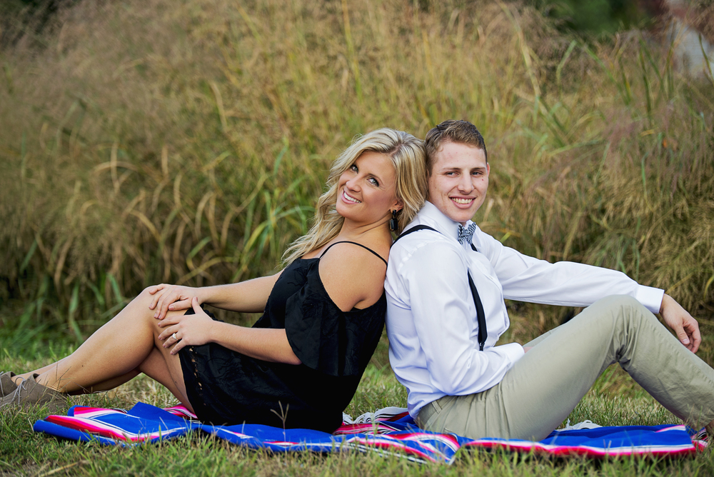 balloons_greenhouse_farm_engagement_session_lynchburg_va006.jpg