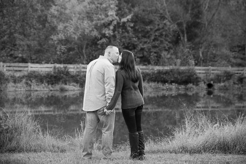 fall_romantic_park_engagement_session_lynchburg_va018.jpg