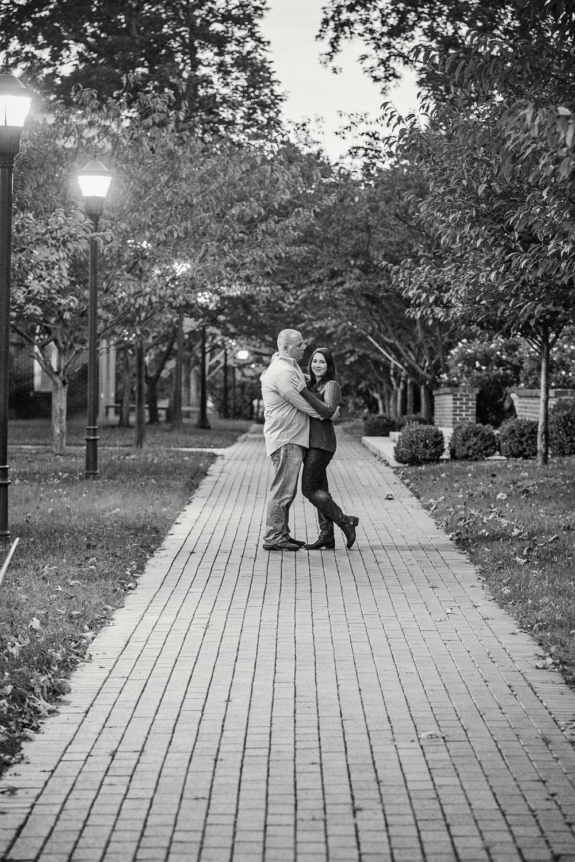 fall_romantic_park_engagement_session_lynchburg_va023.jpg