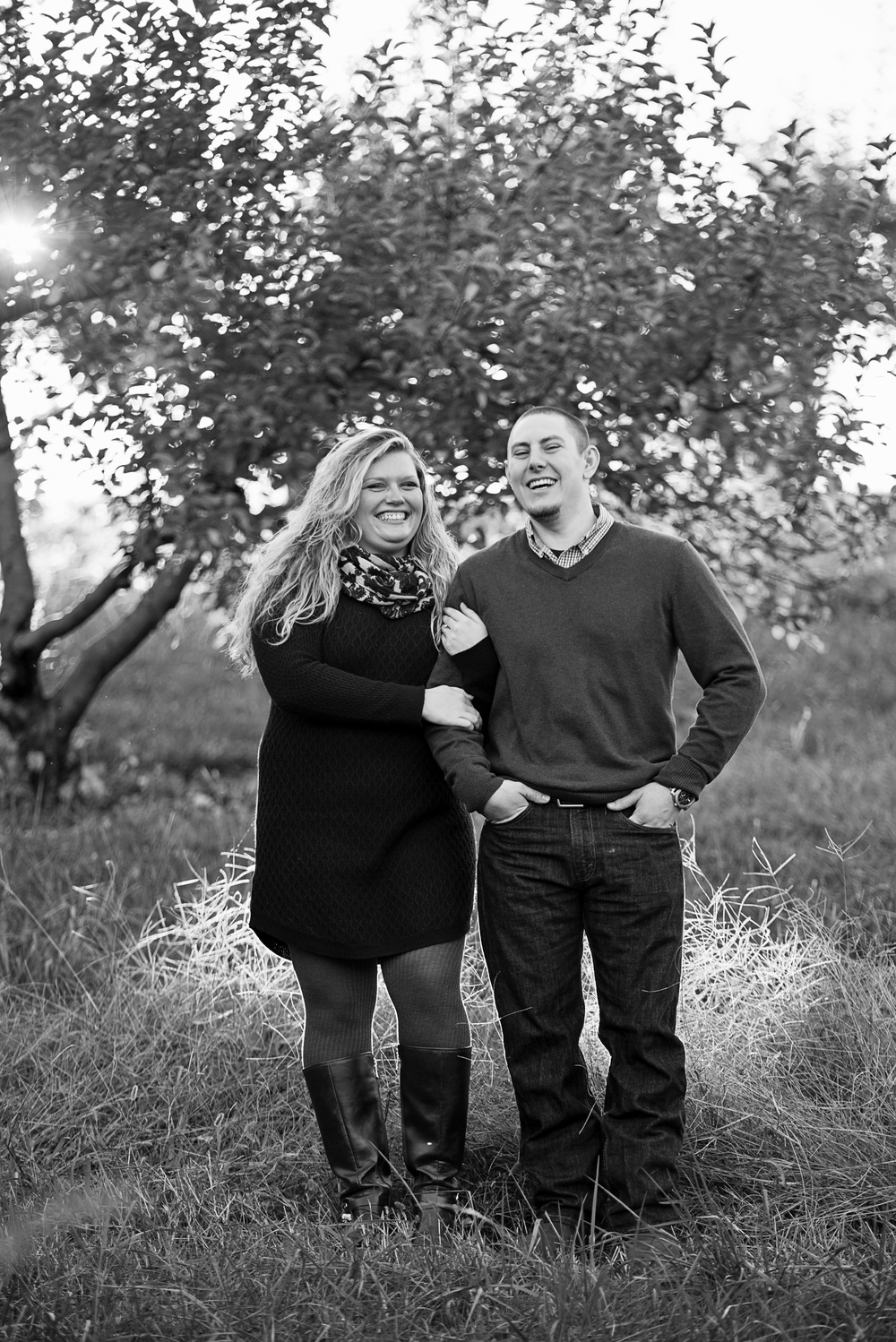 fall_romantic_orchard_engagement_session_lynchburg_va003.jpg