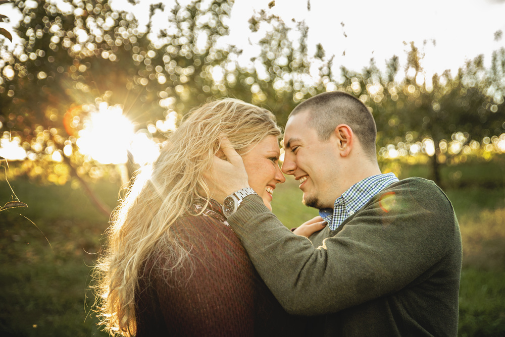 fall_romantic_orchard_engagement_session_lynchburg_va006.jpg