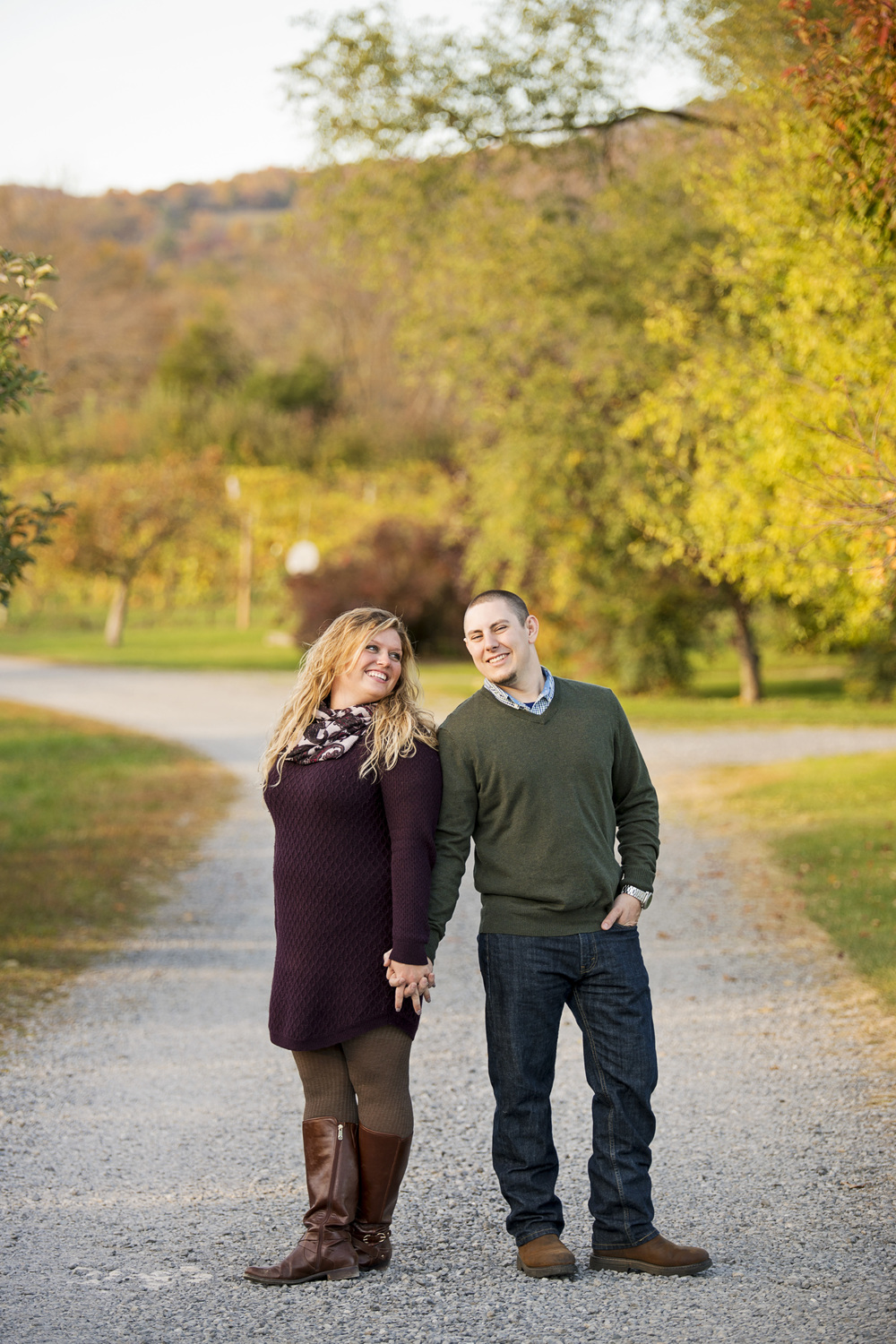 fall_romantic_orchard_engagement_session_lynchburg_va012.jpg