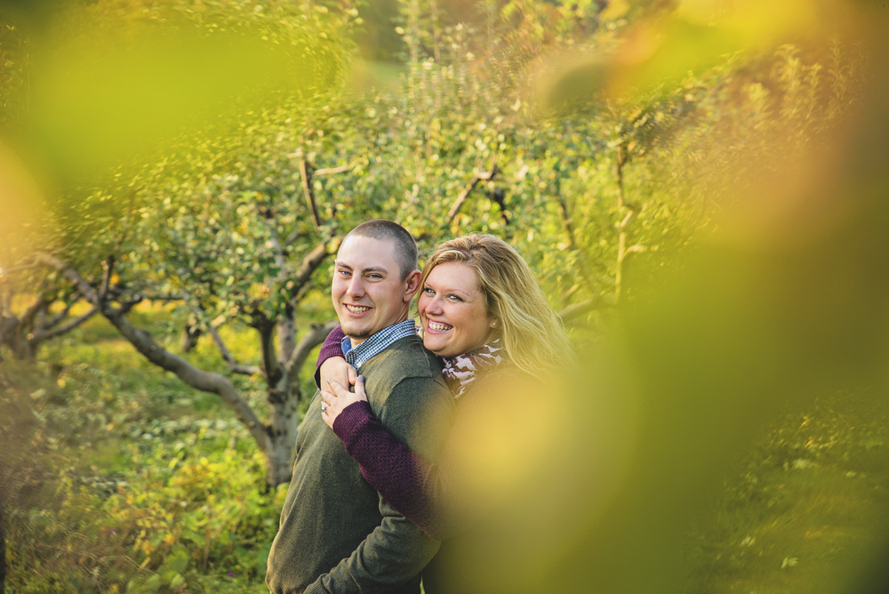 fall_romantic_orchard_engagement_session_lynchburg_va013.jpg