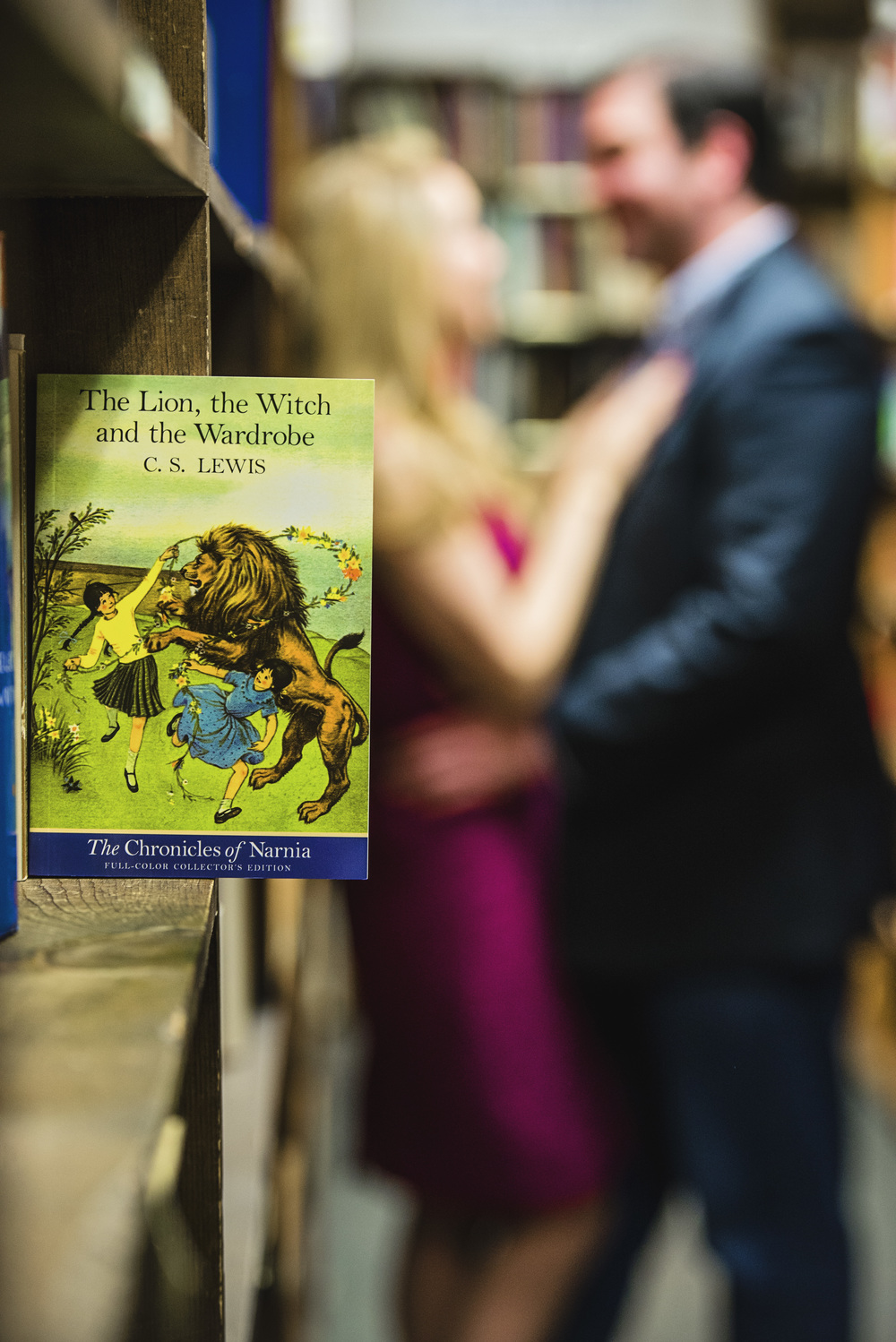 bookstore_fairytale_downtown_engagement_session_lynchburg_va009.jpg