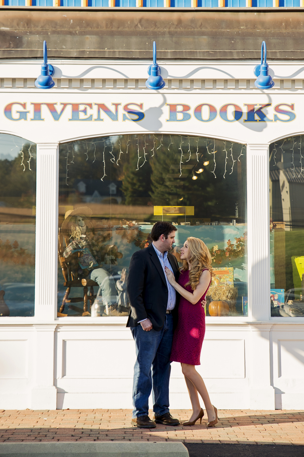 bookstore_fairytale_downtown_engagement_session_lynchburg_va013.jpg
