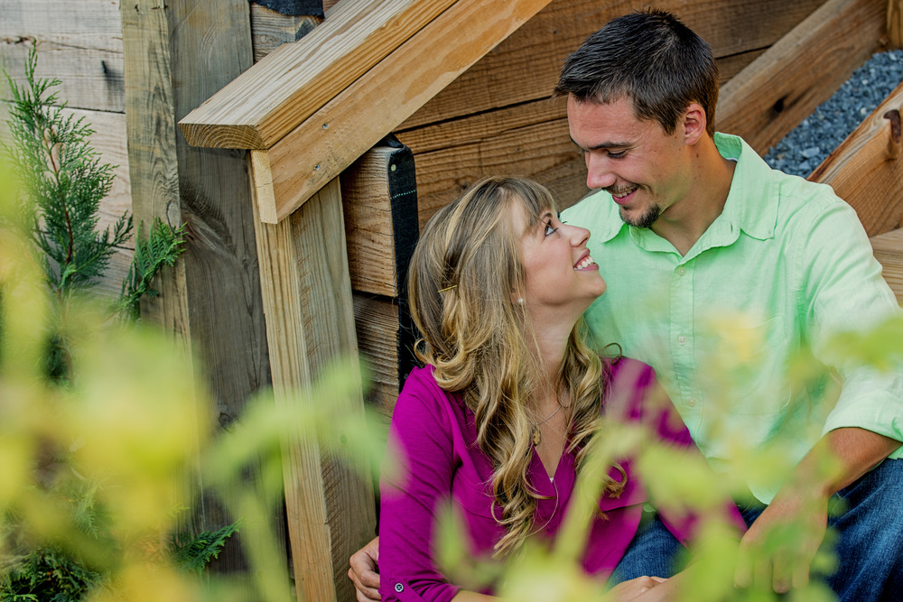 garden_dock_quilt_fun_engagement_session_lynchburg_va004.jpg