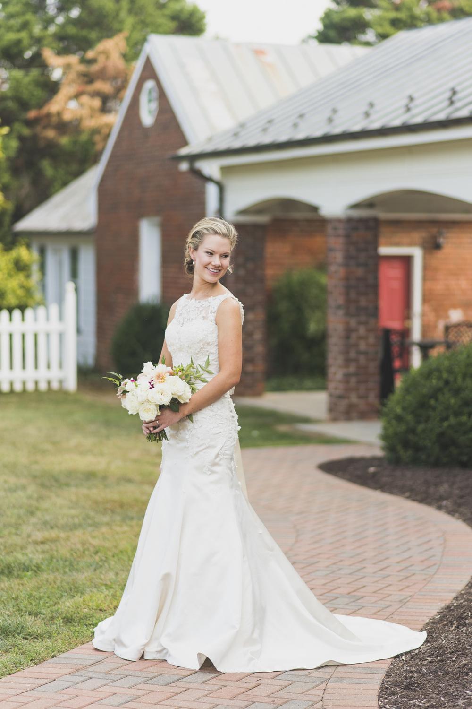 West Manor Wedding_Lynchburg VA_Classic_Black tie_Forest VA_Wedding_photos2031.jpg