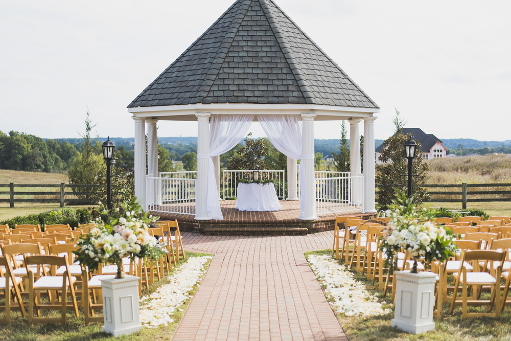 West Manor Wedding_Lynchburg VA_Classic_Black tie_Forest VA_Wedding_photos2044.jpg