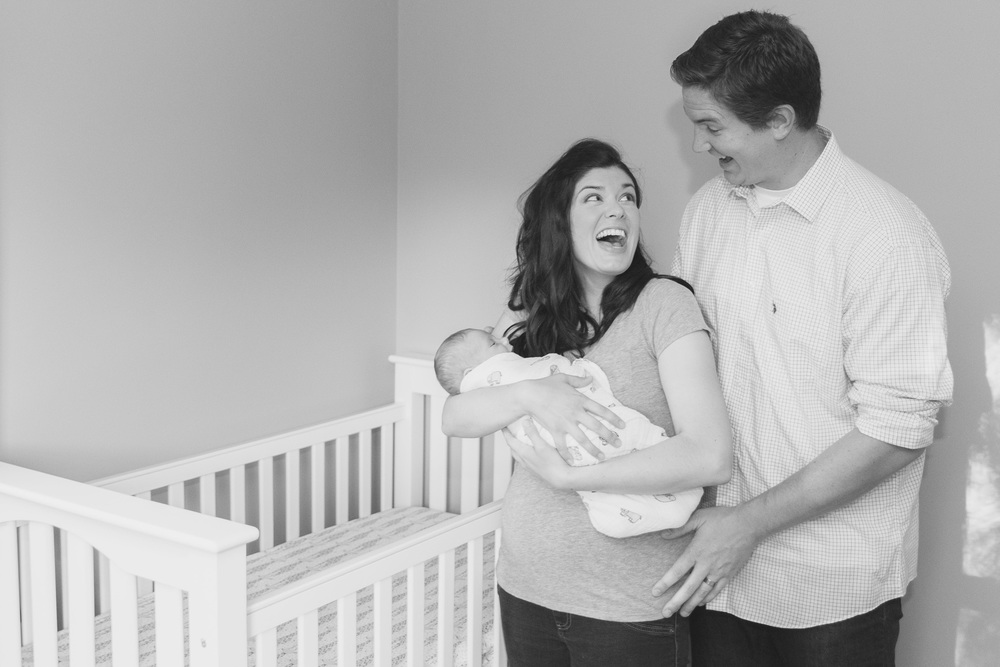 lifestyle_session_newborn_family_home_lynhcburg_va_photographers009.jpg