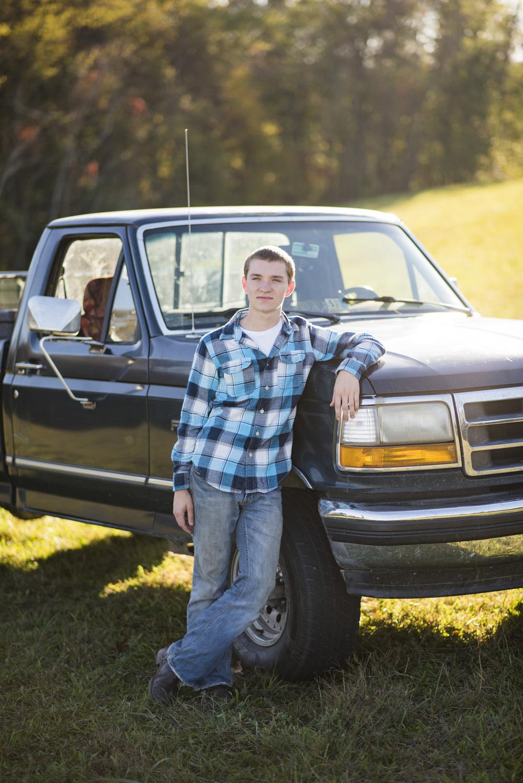 senior_session_truck_country_lynchburg_va_photographers004.jpg
