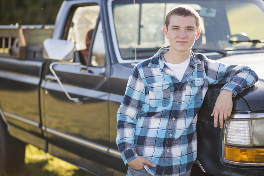 senior_session_truck_country_lynchburg_va_photographers005.jpg