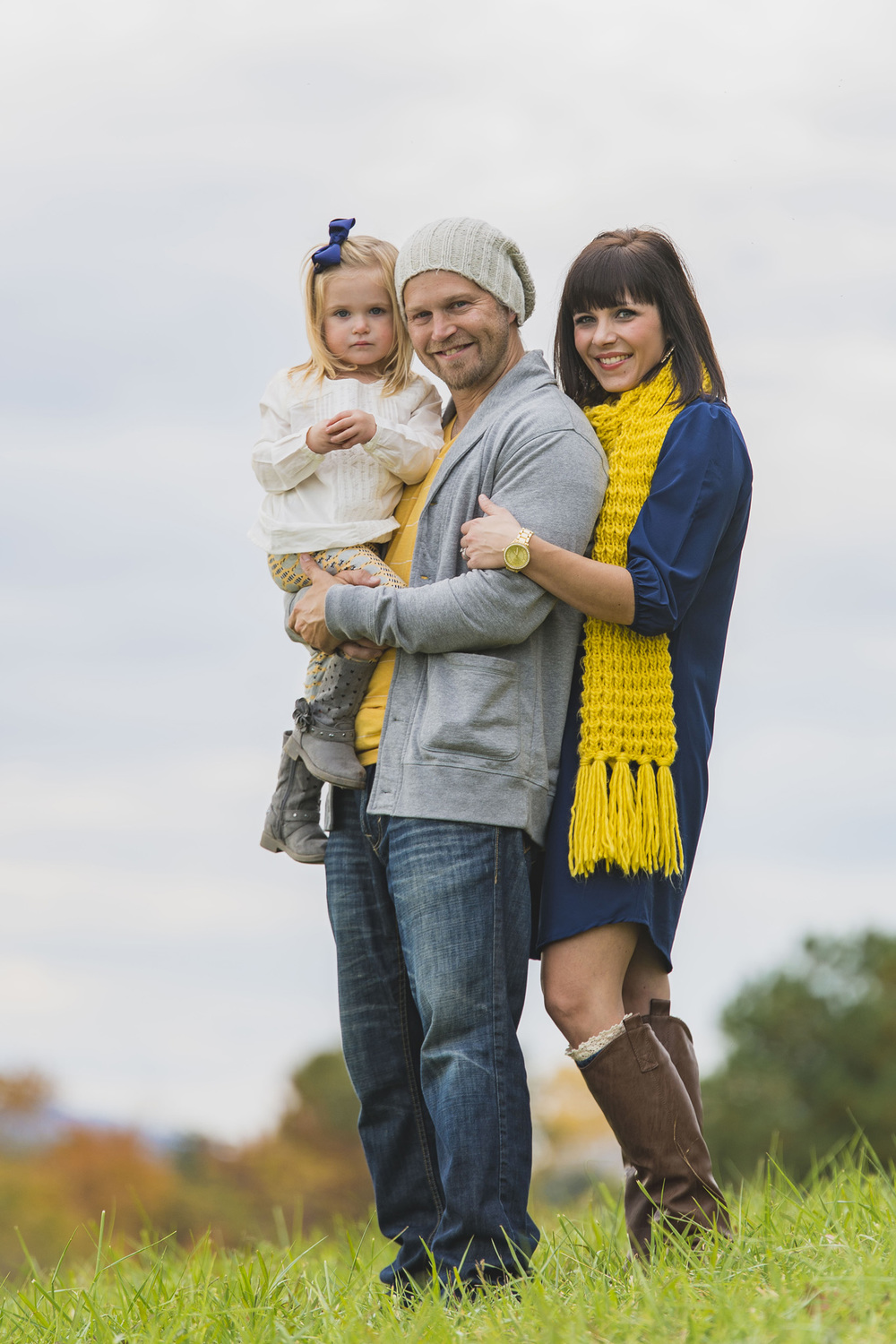 family_session_fall_field_lynchburg_va_photographers008.jpg