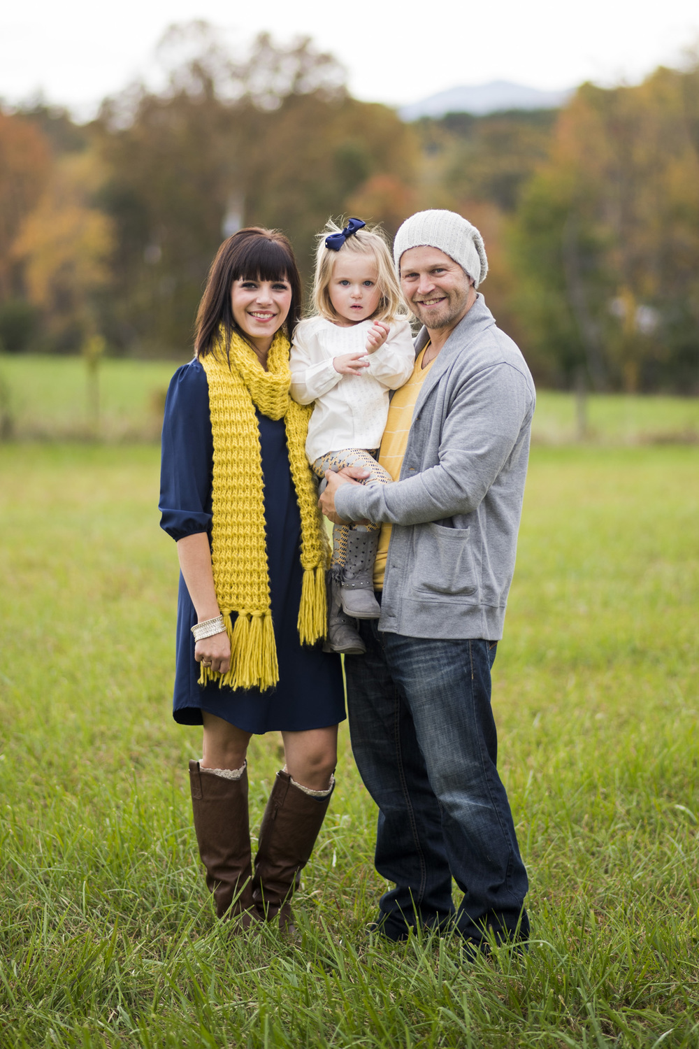 family_session_fall_field_lynchburg_va_photographers013.jpg