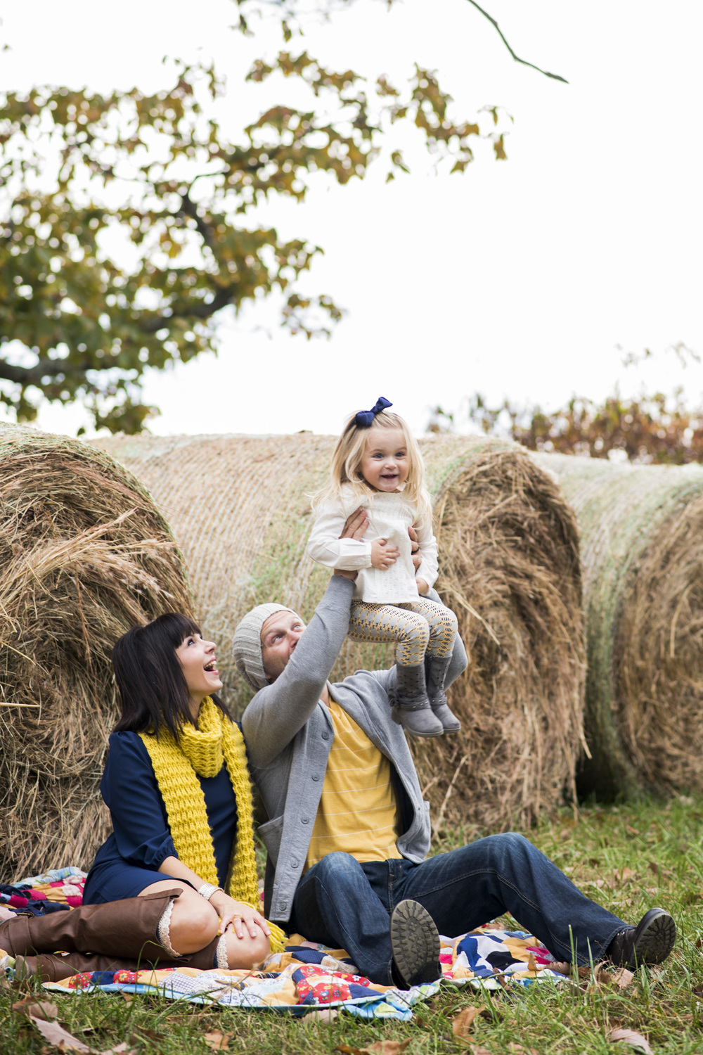 family_session_fall_field_lynchburg_va_photographers017.jpg