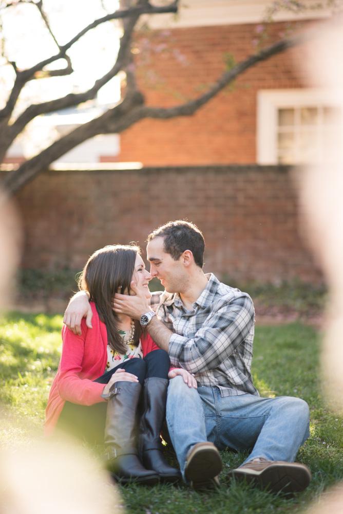 charlotsville.va.engagement.session.uva.dog.love.spring.blooms226.jpg