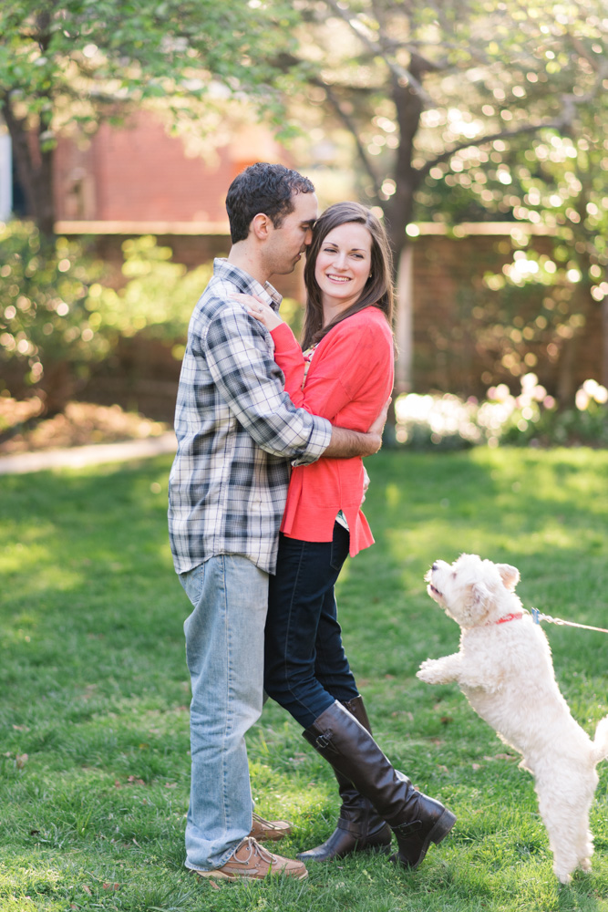 charlotsville.va.engagement.session.uva.dog.love.spring.blooms238.jpg
