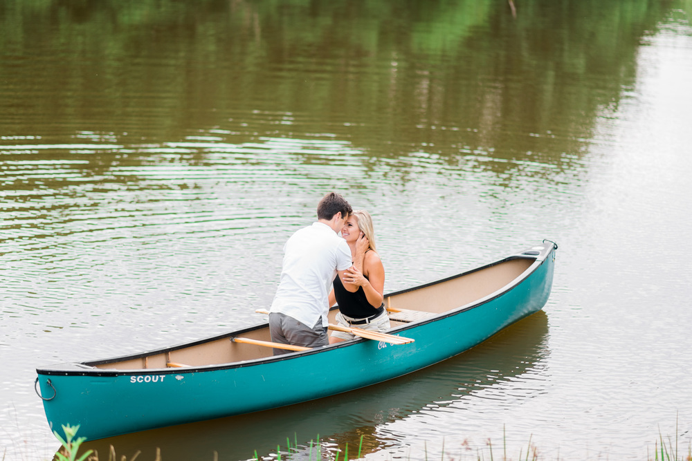 Va_Engagement_session_VA_wedding_photographers _Claytor_nature_Center_Bedford_VA965.jpg