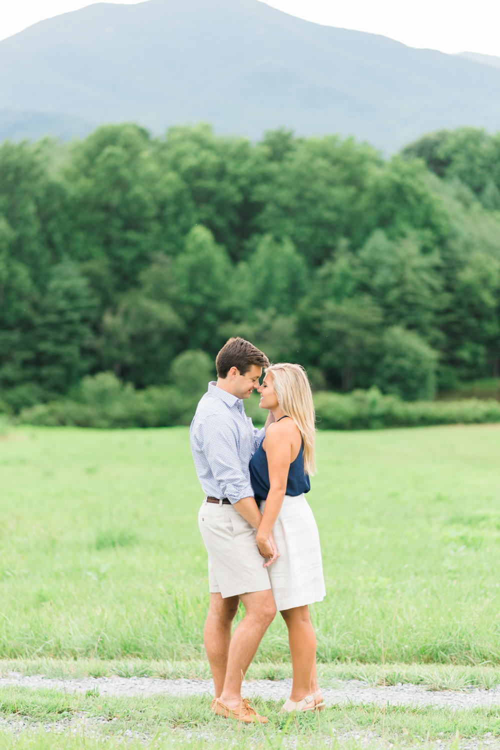 Va_Engagement_session_VA_wedding_photographers _Claytor_nature_Center_Bedford_VA989.jpg