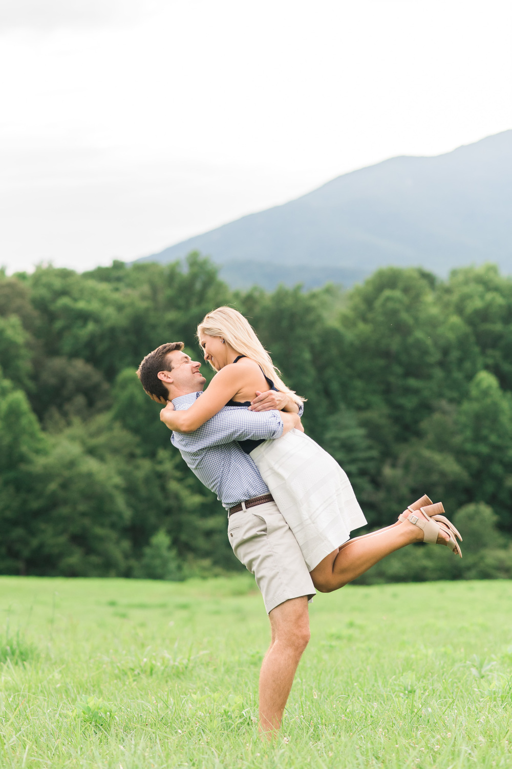 Va_Engagement_session_VA_wedding_photographers _Claytor_nature_Center_Bedford_VA993.jpg